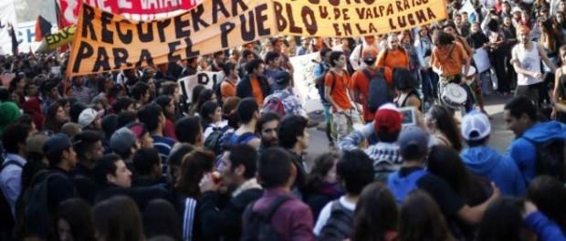 Dos muertos tras marcha estudiantil en Chile